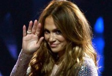Jennifer-Lopez-quits-American-Idol